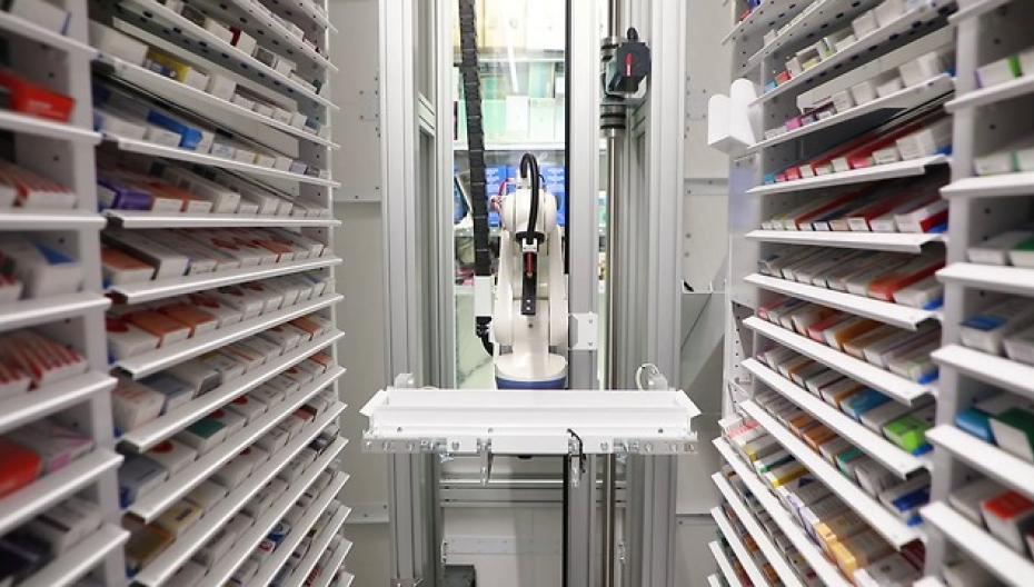 Роботы в аптеке: стоит ли овчинка выделки