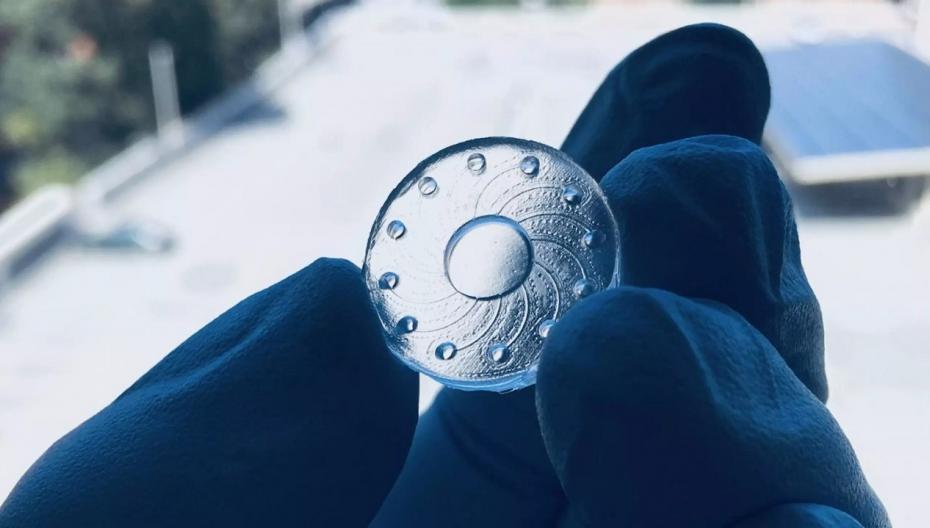 Контактные линзы, способные измерять биомаркеры
