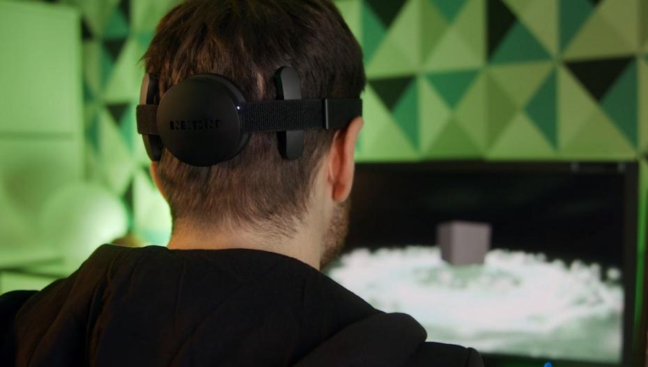 NextMind начала поставки комплекта разработчика для своего считывающего мозговые волны устройства