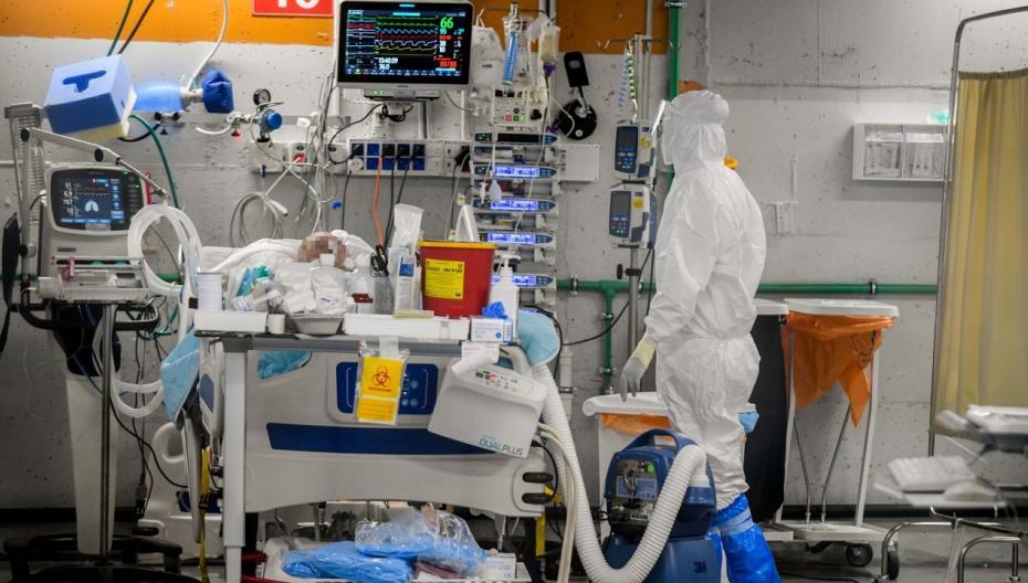 Аппарат искусственного дыхания, обеспечивающий сразу нескольких пациентов
