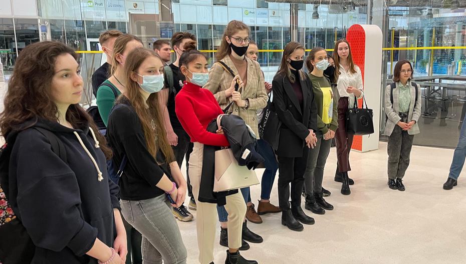 Найти свое место в медицине: студенты Сеченовского Университета посетили Технопарк «Сколково»