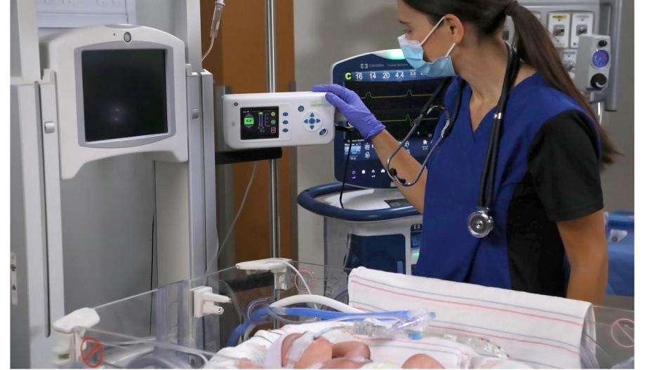 Medtronic представила монитор для обнаружения обструкции дыхательных путей у младенцев