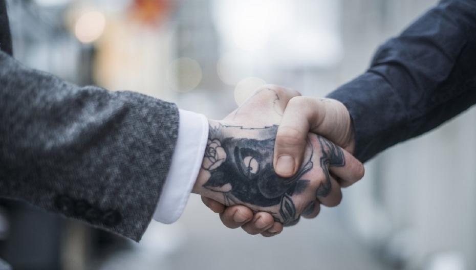 Устройство для удаления татуировок и целлюлита Soliton Resonic выходит на рынок