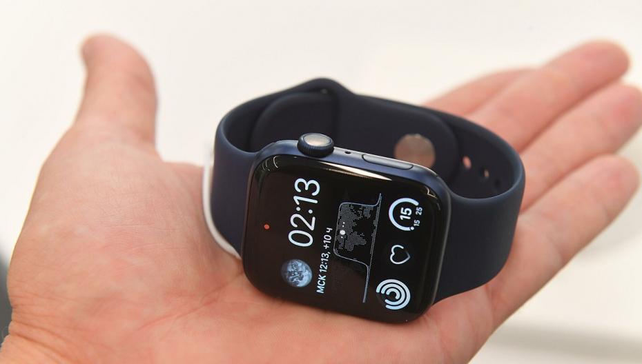 Apple планирует добавить в свои часы функции мониторинга давления и температуры