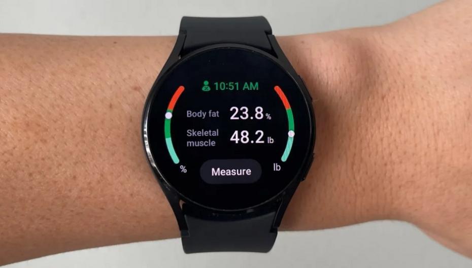 """""""Умные"""" часы Samsung получили функцию отслеживания питания"""