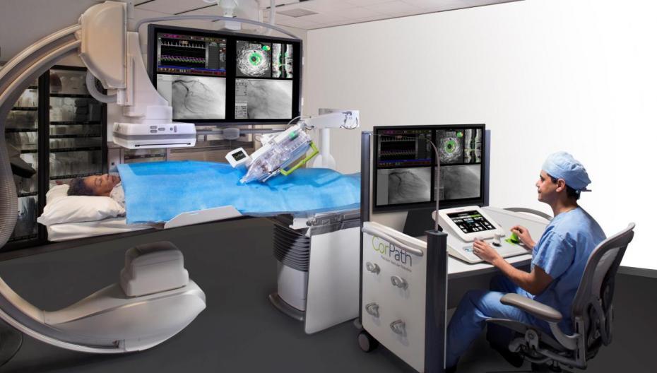 Впервые с помощью робота осуществлена удаленная операция на сердце