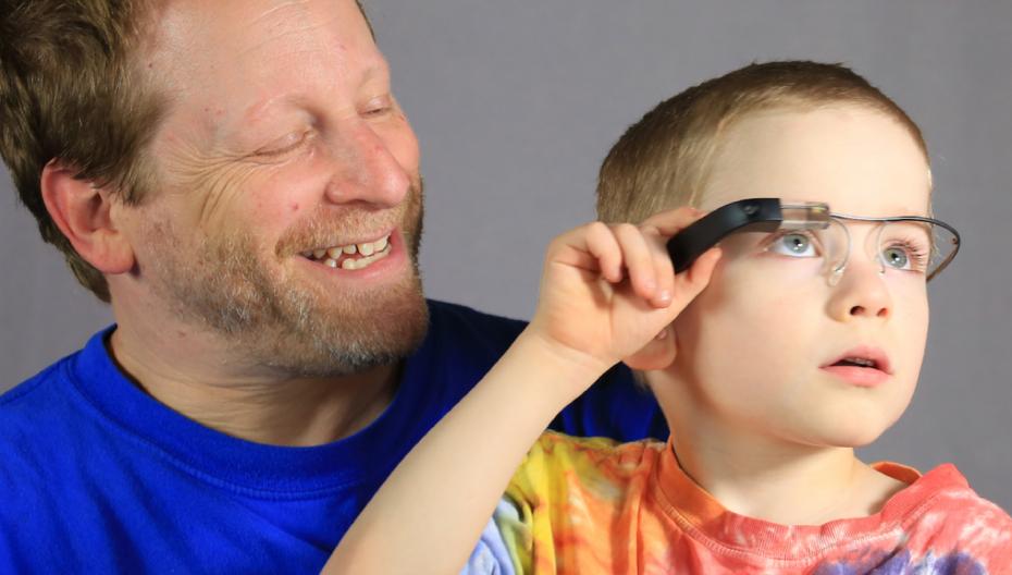 AI-система на основе Google Glass помогает аутистам понимать эмоции