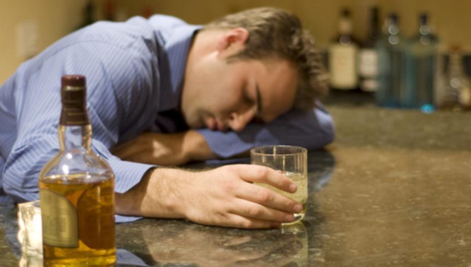 Контролировать алкоголика с помощью приложения