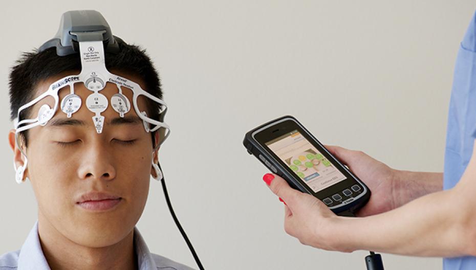BrainScope Ahead 300 для обнаружения травм мозга
