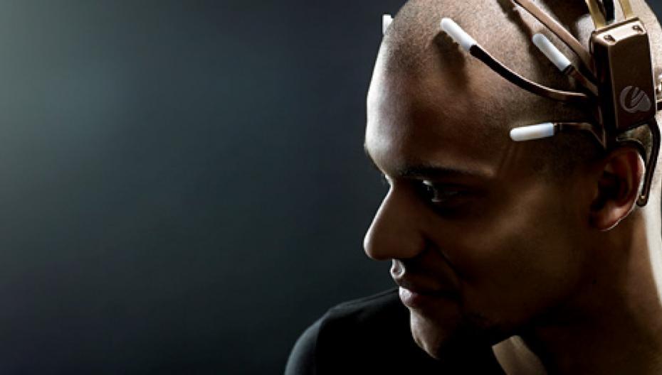 Наушники с интегрированной ЭЭГ помогут расслабляться