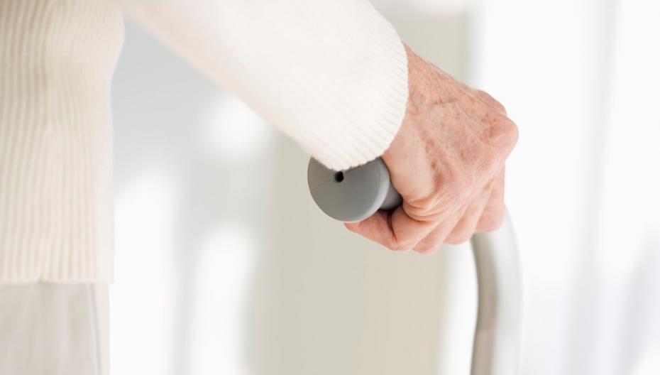 Система мониторинга для предотвращения падений стариков