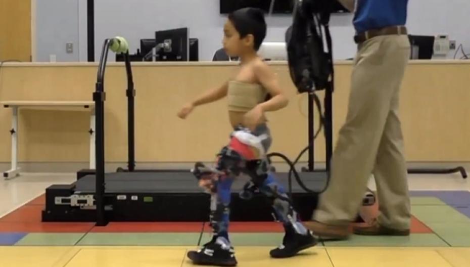 Экзоскелет для детей с церебральным параличом тренирует мышцы пациента