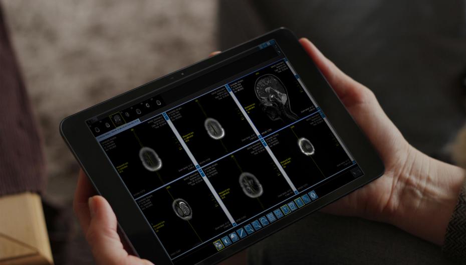 Планшет для просмотра медицинских изображений, калиброванный в соответствии с DICOM