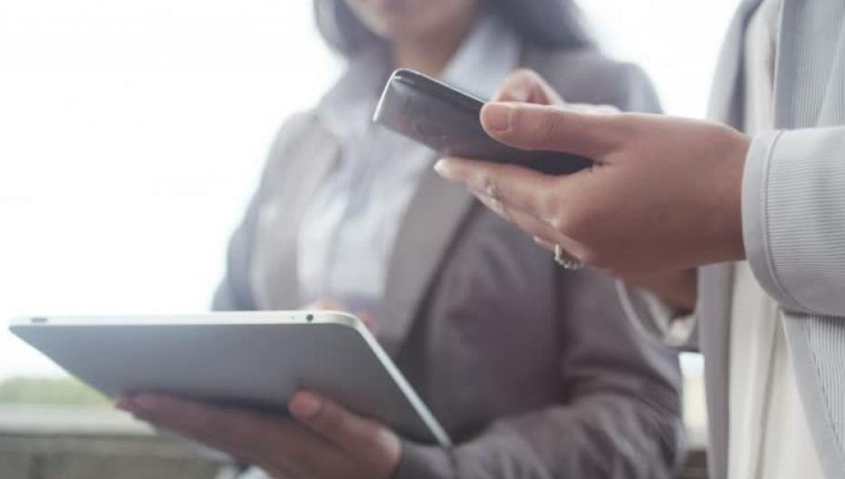 90% медицинских организаций используют мобильные устройства