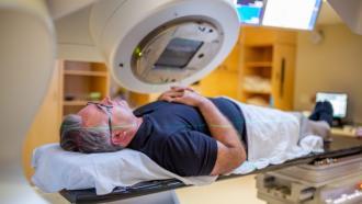 Алгоритм отмечает органы на КТ-сканах для предотвращения их радиационного повреждения