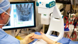 Портативный рентгеновский аппарат, получающий питание от батареи