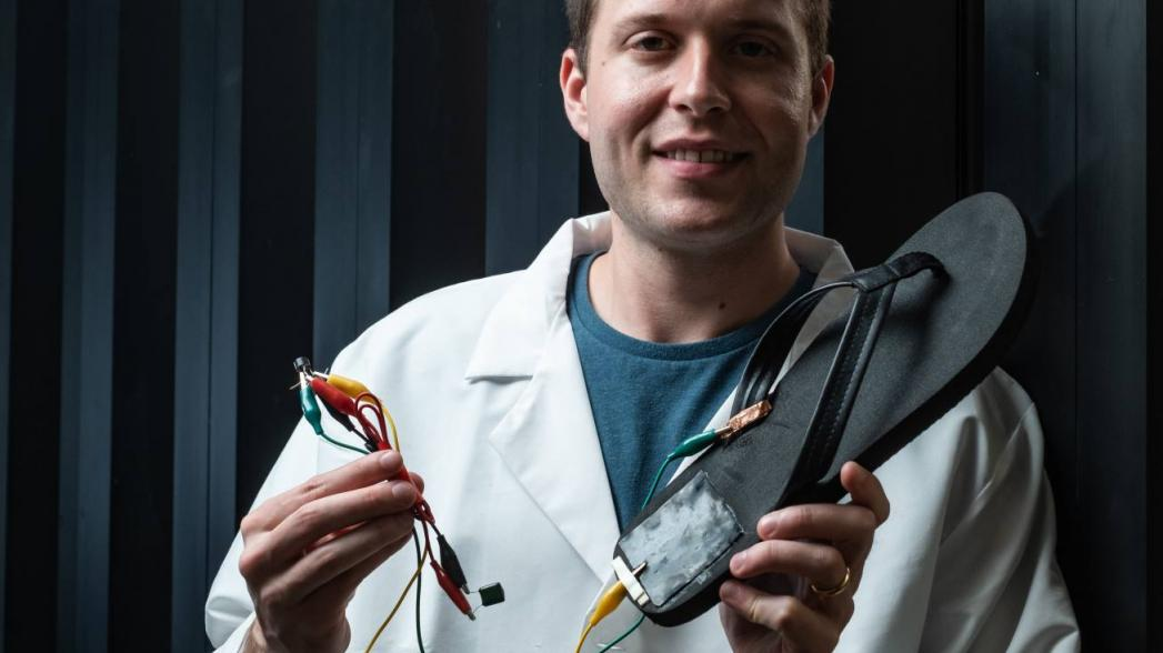 Электрический генератор на теле для питания медицинских устройств