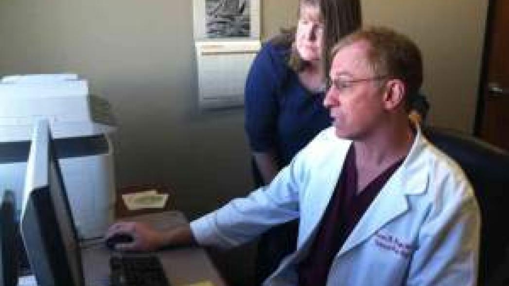 Большинство пенсионеров в США готовы использовать технологии для управления своим здоровьем