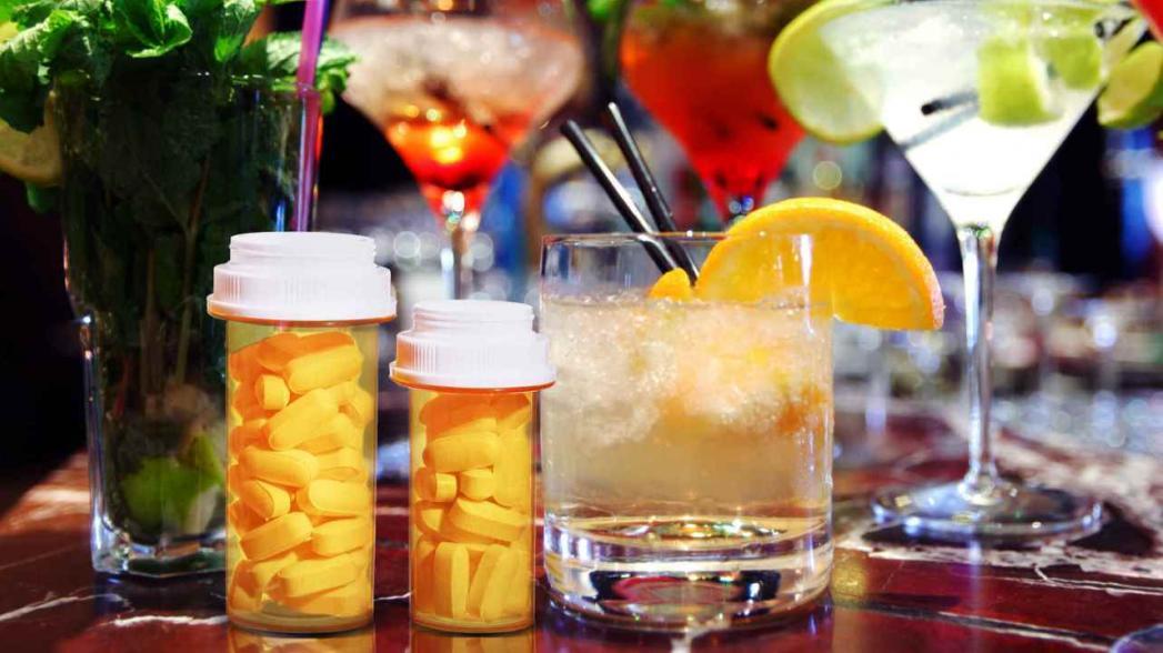 Система, которая способна оценить эффективность комбинации антибиотиков