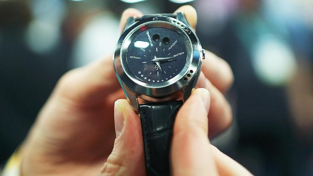 """""""Умные"""" часы, которые контролируют окружающую среду"""