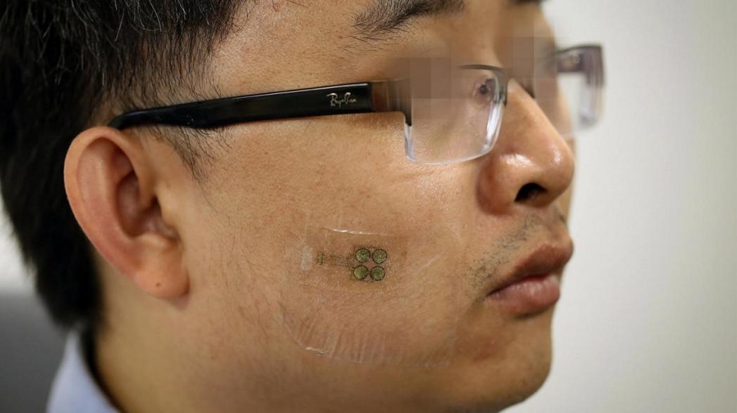 Накожный сенсор, помогающий общаться людям с боковым амиотрофическим склерозом