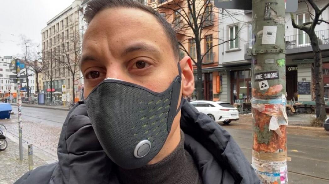 """""""Умная"""" маска, которая контролирует дыхание и качество окружающего воздуха"""
