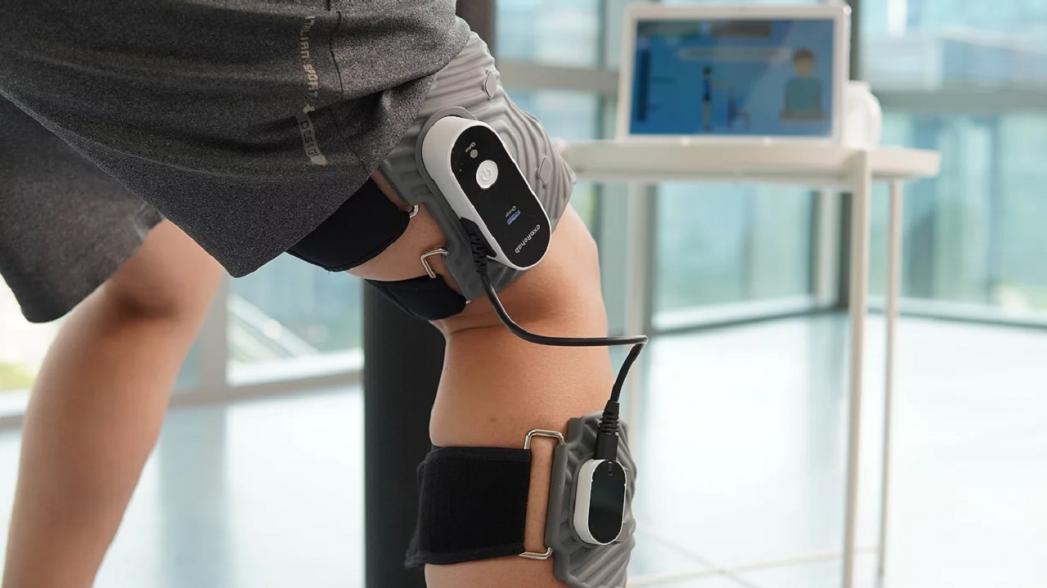 Система Exo-Rehab для ухода за коленями для пожилых людей