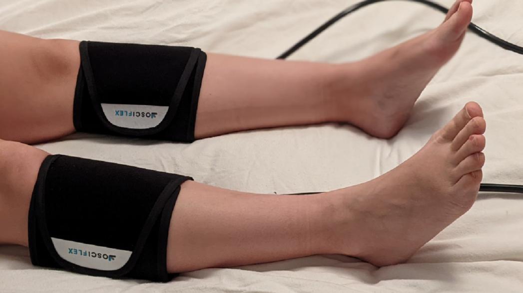Компрессионное устройство для предотвращения тромбоза глубоких вен