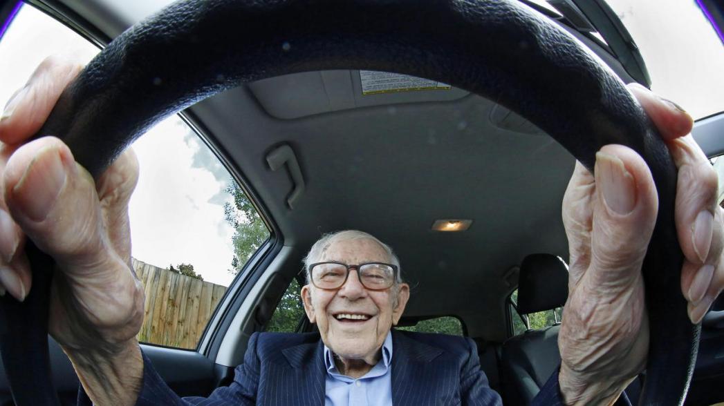 Голосовые помощники предсказывают риск ДТП у пожилых людей