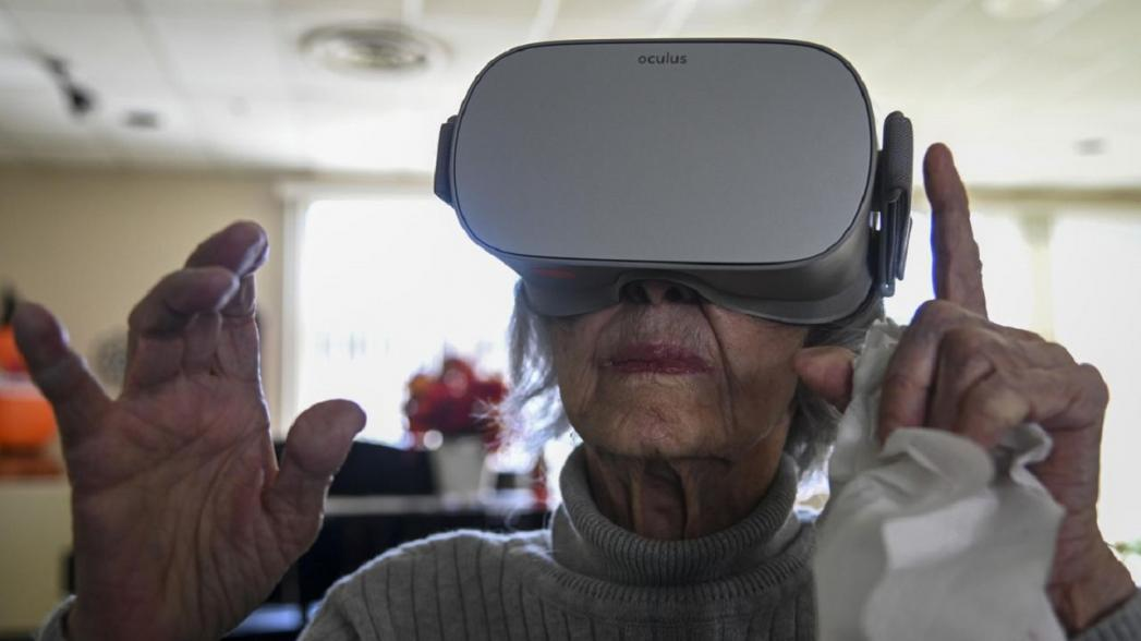 Виртуальная реальность может помочь улучшить координацию у стариков