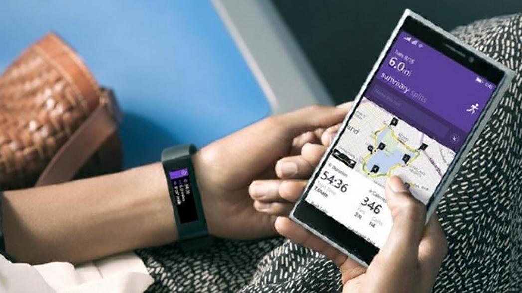 Фитнес-трекер или умные часы?