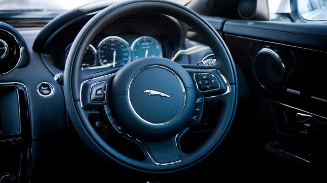 «Ягуар» встроил в свой автомобиль систему мониторинга здоровья водителя