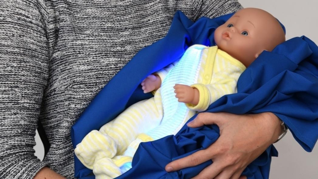 Пижама помогает лечить желтуху у новорожденных