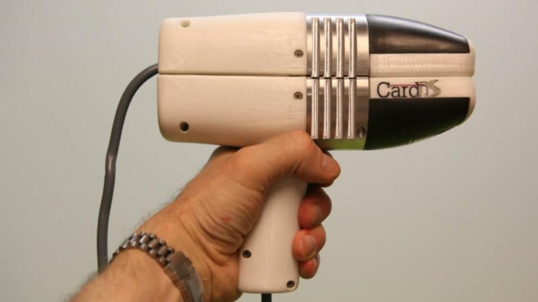 Портативное фотонное устройство для измерения жесткости артерий