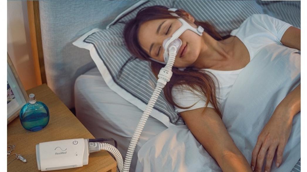 Миниатюрное устройство ResMed обеспечит спокойный сон без храпа