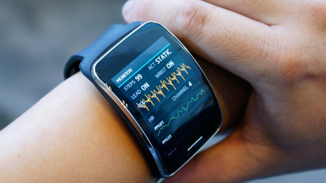 Опрос: потребители пока не доверяют точности носимых устройств