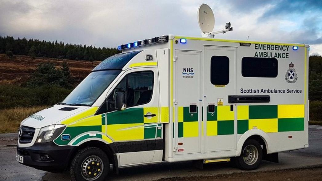 Машины скорой помощи с телемедицинскими возможностями через спутник