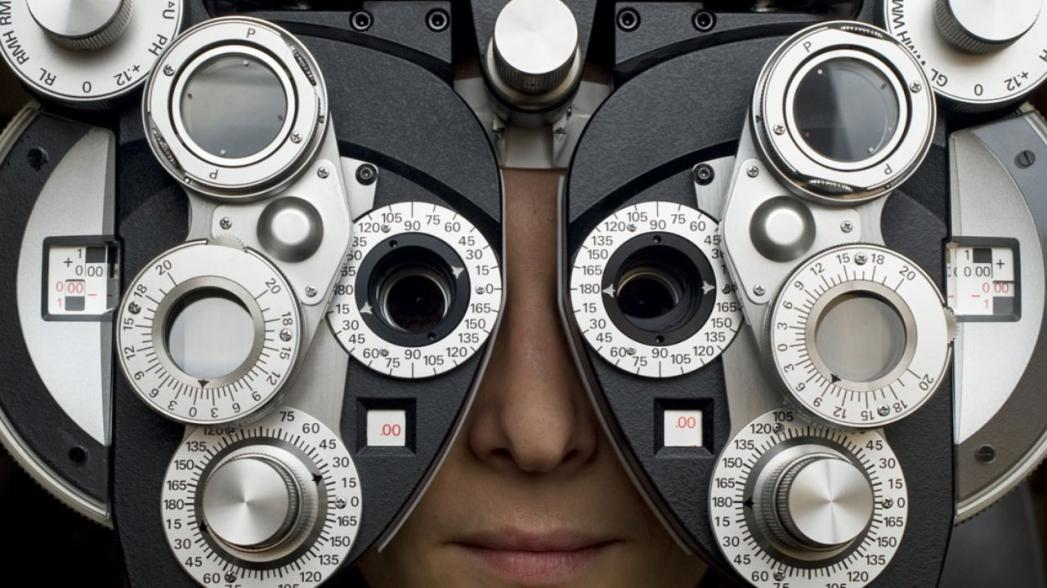 EyeQue VisionCheck: первая в мире автоматическая система проверки зрения для домашнего использования