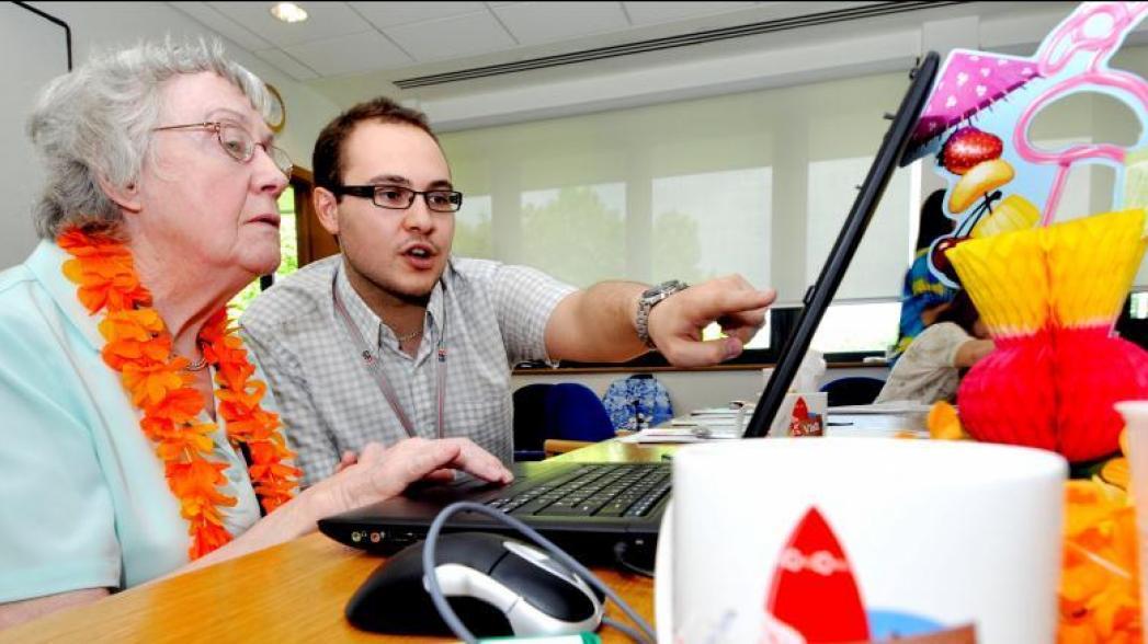 Обучение навыкам работы в Интернет может сэкономить миллионы здравоохранению