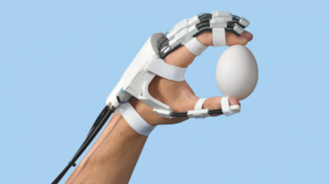 Роботизированная рука для перенесших инсульт