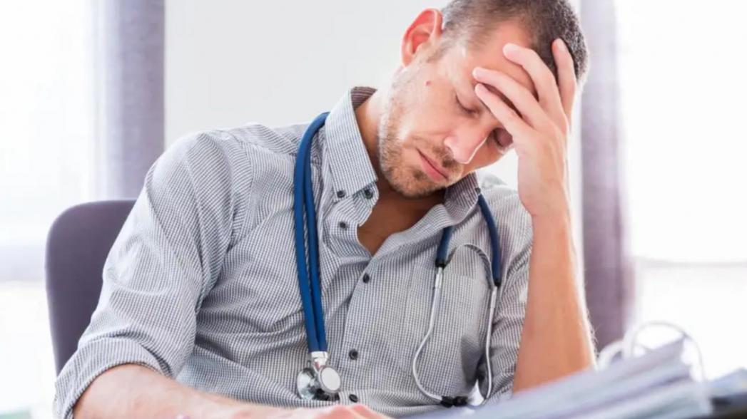 Телемедицинские консультации могут стать «последней каплей» для испытывающих стресс врачей общей практики
