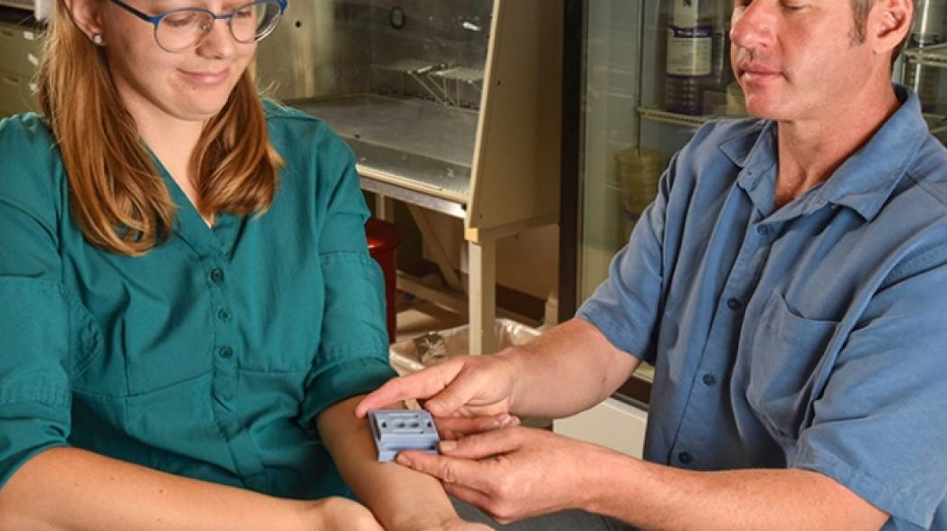 Микроигольчатый пластырь для современных сенсоров