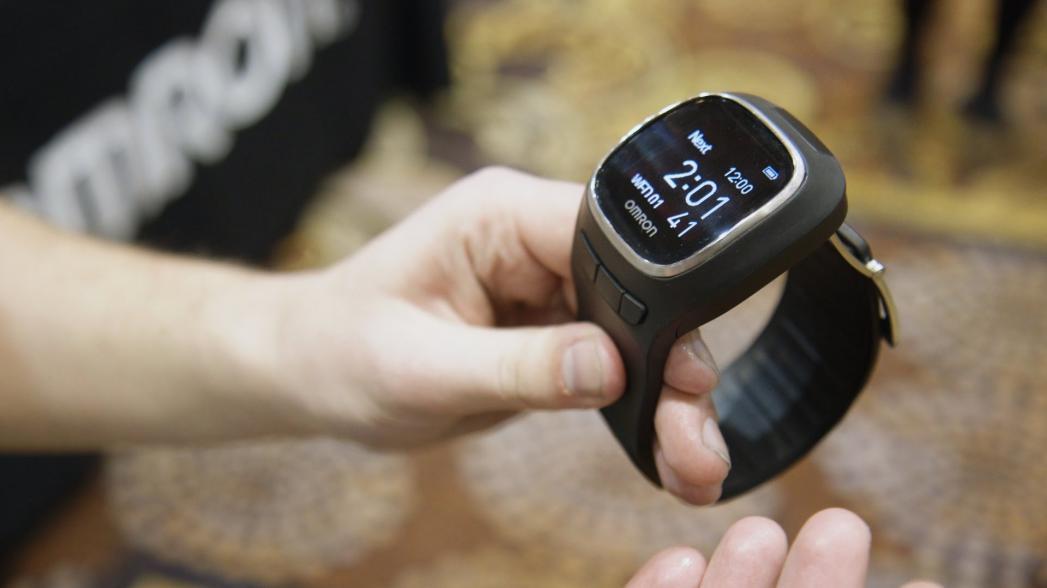 Это часы? Нет, это тонометр