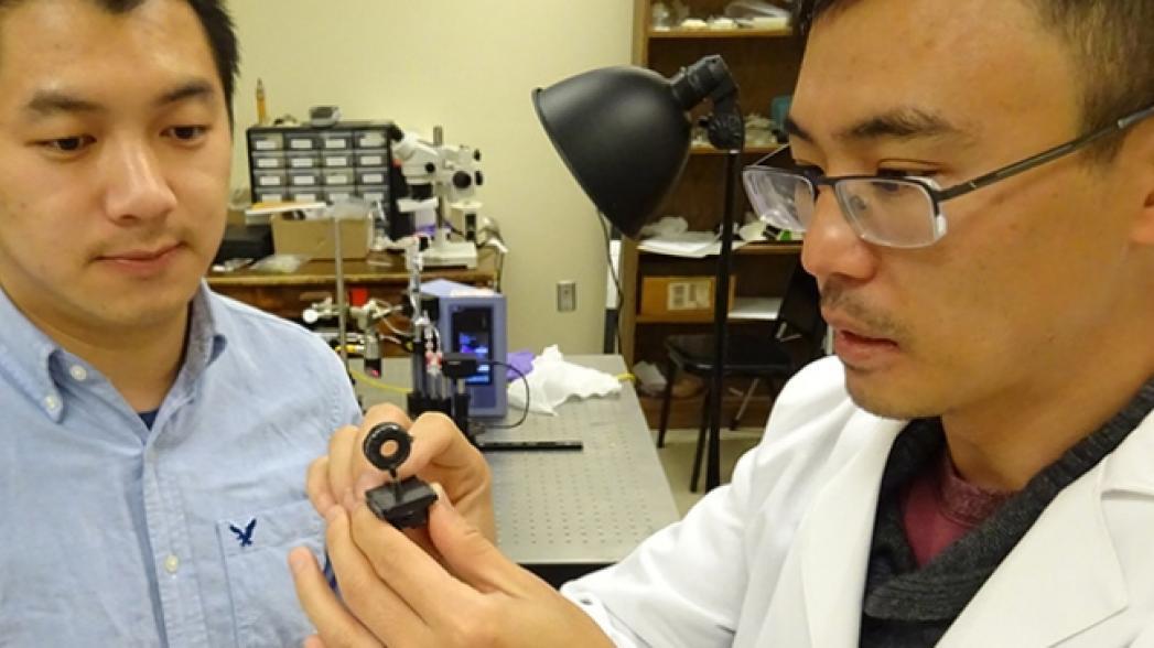 Миниатюрное устройство на базе смартфона для цифровой патологии