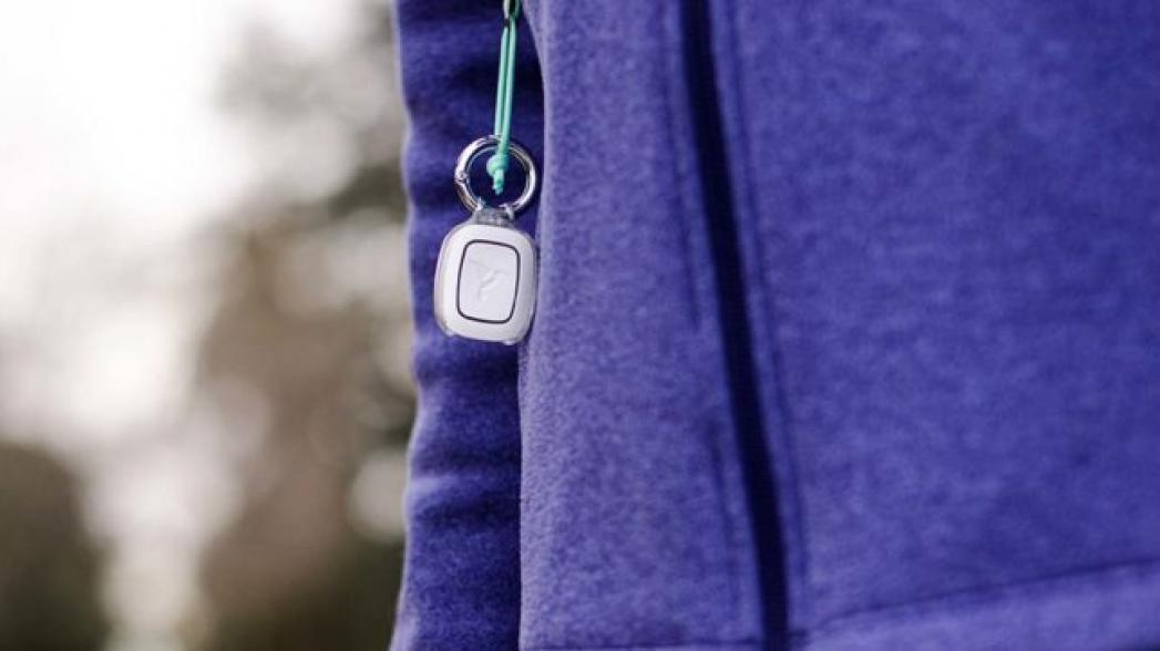 Кнопка безопасности на одежде