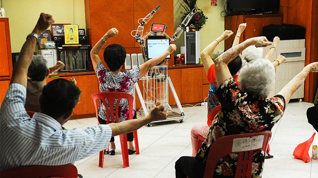Робот как персональный тренер для пожилых спортсменов