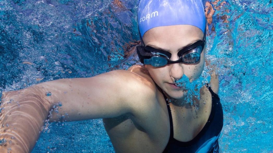 Очки дополненной реальности для пловцов