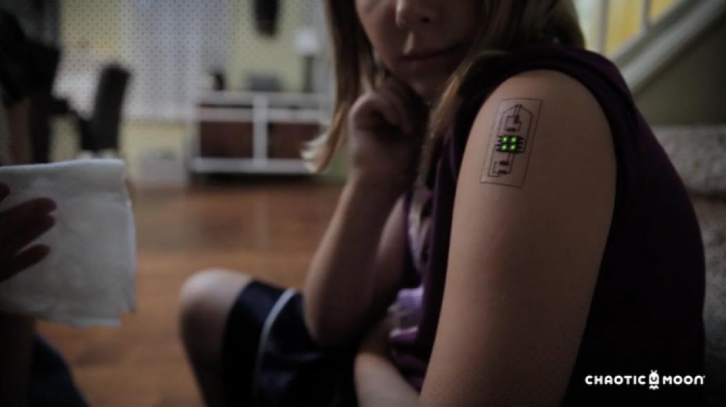 Новое поколение носимых устройств: технические татуировки