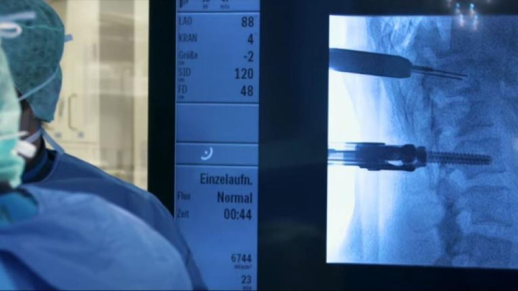 Виртуальная реальность в спинальной хирургии от Philips