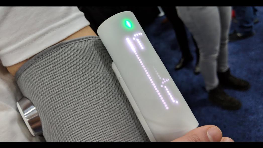 Withings выпускает подключенный к Сети манжетный тонометр с функцией контроля ЭКГ